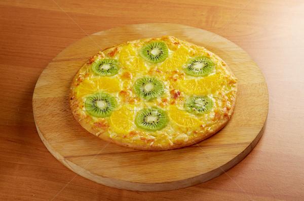 édes pizza gyümölcs házi készítésű sajt gyümölcsök Stock fotó © fanfo