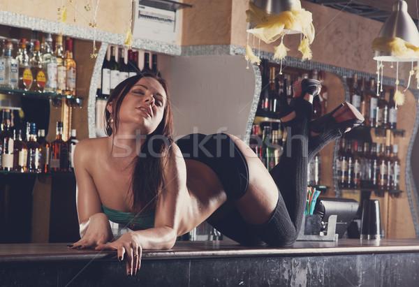 306Порно за барным столиком