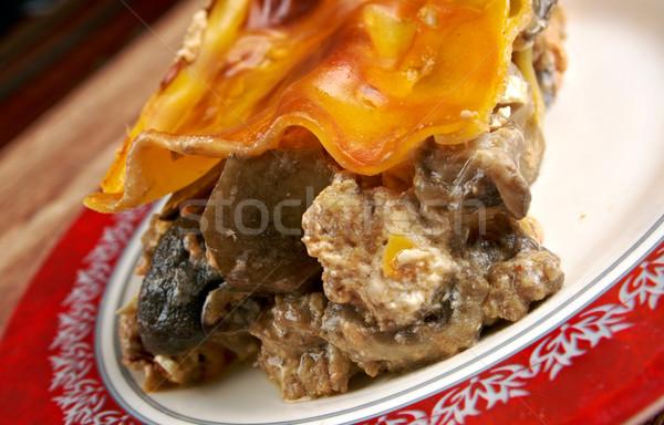 Lazanya mantar sığır eti yukarı plaka öğle yemeği Stok fotoğraf © fanfo