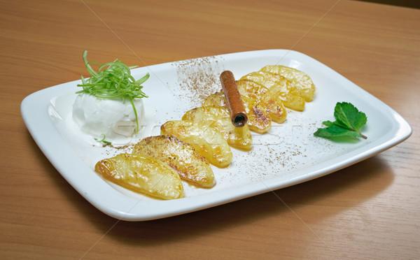 Könnyű desszert almák sült fagylalt tea Stock fotó © fanfo