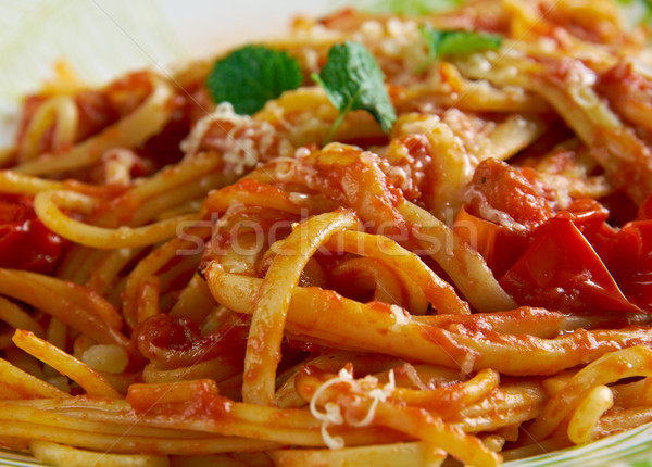 Espaguetis italiano pasta salsa ciudad alimentos Foto stock © fanfo
