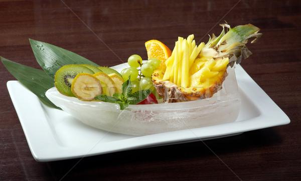 Salade tropische vruchten groenten vruchten mais druiven Stockfoto © fanfo
