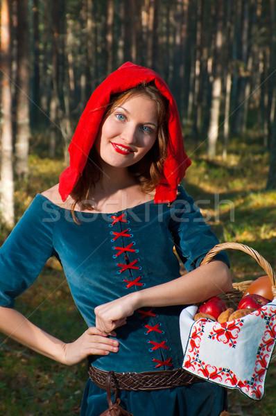 Piros lovaglás áll fa gyönyörű lány középkori Stock fotó © fanfo