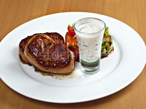 Grillezett marhahús filé medál mártás konyha Stock fotó © fanfo