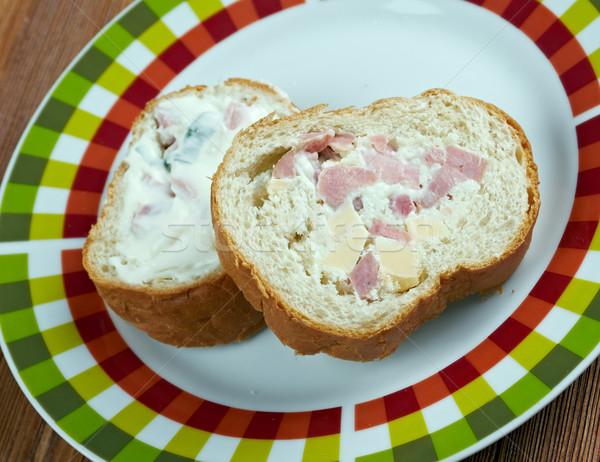 Vadászat zsemle szendvics kenyér sajt zöldségek Stock fotó © fanfo
