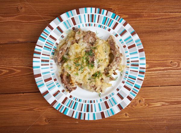 Carne tradicional cebola molho jantar vermelho Foto stock © fanfo