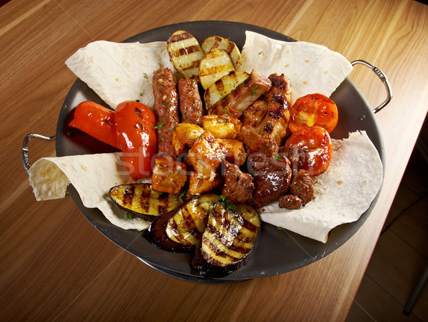 Kebab különböző pörkölt zöldség közelkép étel Stock fotó © fanfo