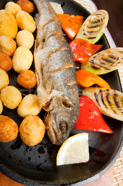 Grelhado truta japonês cozinha comida peixe Foto stock © fanfo