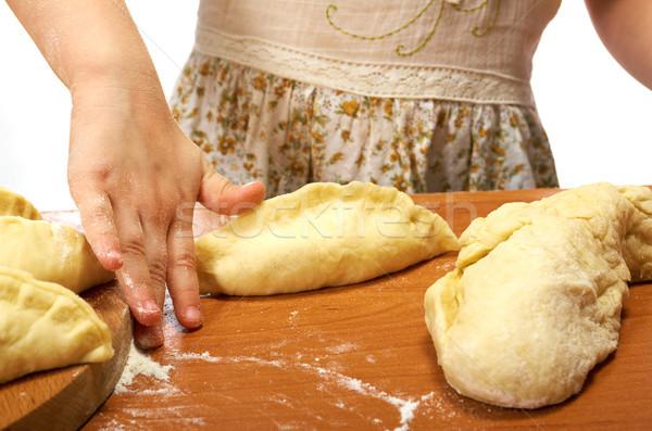 Stok fotoğraf: Küçük · kız · gülen · mutfak · detay · eller