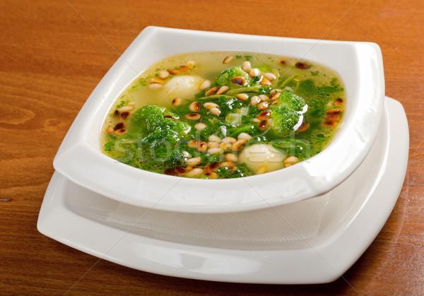 Zupa jarzynowa brokuły sosny orzech Sałatka warzyw Zdjęcia stock © fanfo