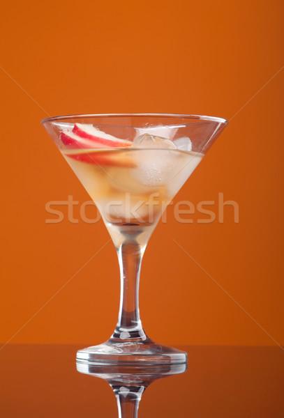Kozmopolit kokteyl içmek sarı buz gözlük Stok fotoğraf © fanfo
