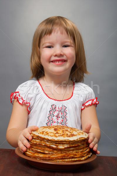 Küçük kız krep rus kırmızı havyar kız Stok fotoğraf © fanfo
