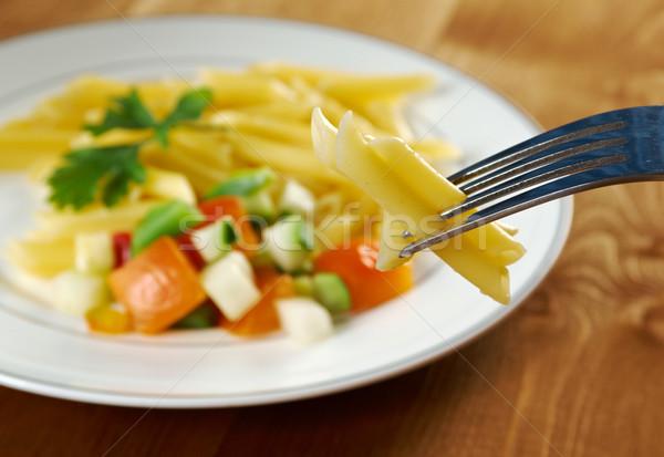 Finom makaróni tészta fa asztal fotó paradicsom Stock fotó © fanfo