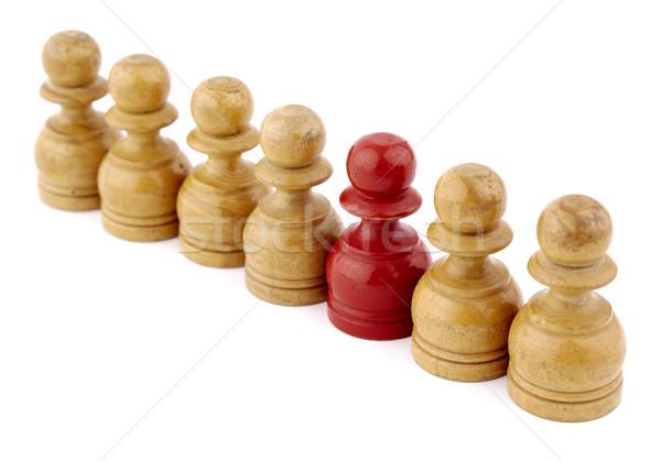 Différent échecs pion rangée ligne isolé Photo stock © farres