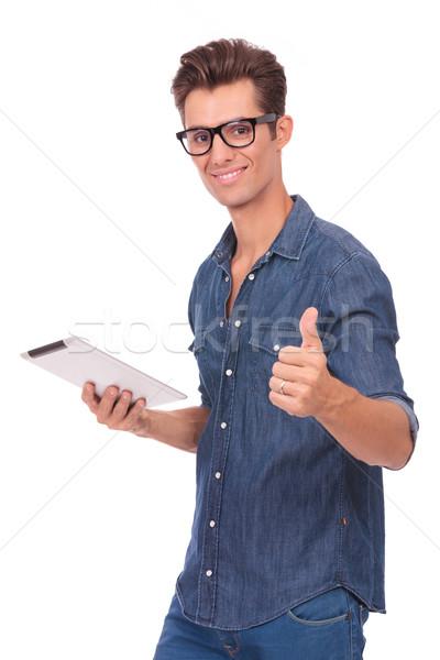Homem comprimido polegar para cima casual moço Foto stock © feedough