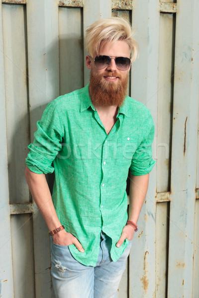 молодые моде человека долго борода смеясь Сток-фото © feedough