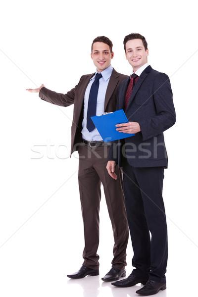 Foto d'archivio: Due · giovani · uomini · d'affari · ritratto