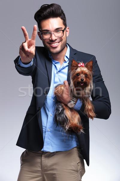 Casual joven cachorro victoria Foto stock © feedough