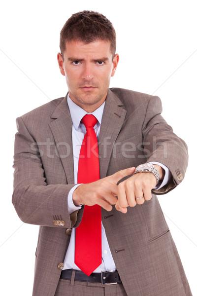 Ongeduldig zakenman boos wijzend horloge geïsoleerd Stockfoto © feedough