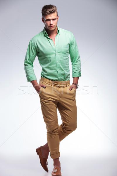 Casual homem tanto mãos retrato Foto stock © feedough