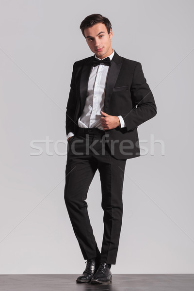 Foto elegante jonge man smoking business Stockfoto © feedough