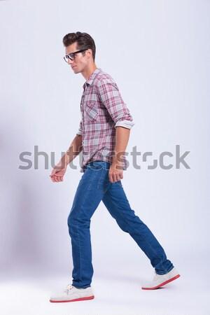 Сток-фото: назад · задумчивый · случайный · человека · вид · сзади · молодые