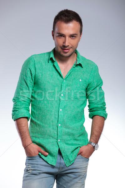 Toevallig man beide handen jonge Stockfoto © feedough
