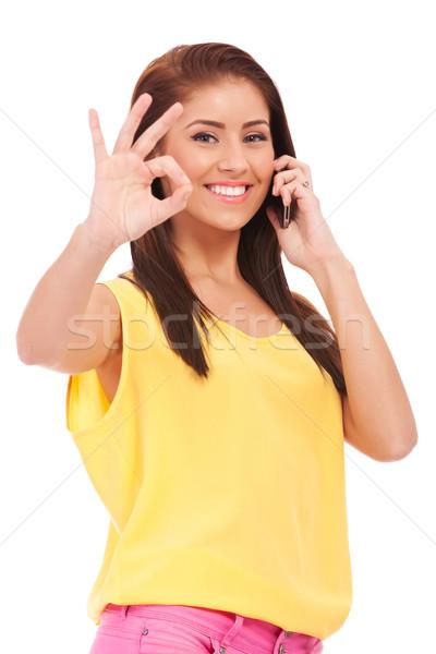Casual teléfono mujer gesto feliz aislado Foto stock © feedough