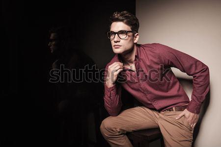 Moda hombre gafas de sol chaqueta de cuero pie Foto stock © feedough