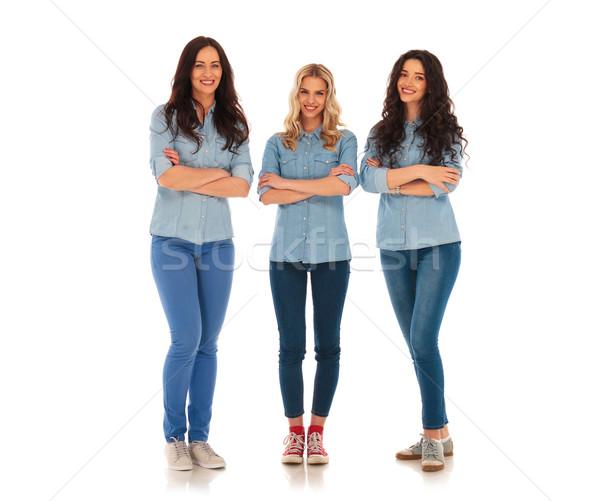 Egészalakos kép három lezser nők áll Stock fotó © feedough