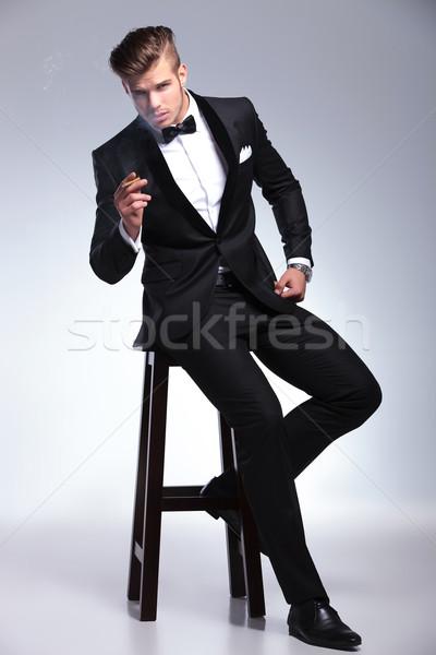 Homme d'affaires président cigare élégante jeunes mode Photo stock © feedough