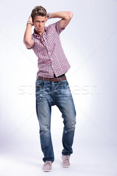 Lezser férfi kezek fej fiatalember pózol Stock fotó © feedough