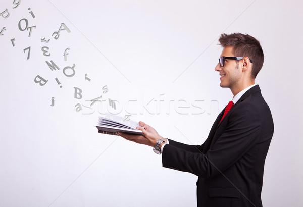 Stock fotó: Diák · néz · valami · képzeletbeli · ki · könyv