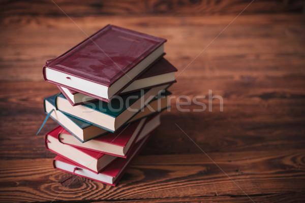 Stoffig oude boeken houten exemplaar ruimte Stockfoto © feedough