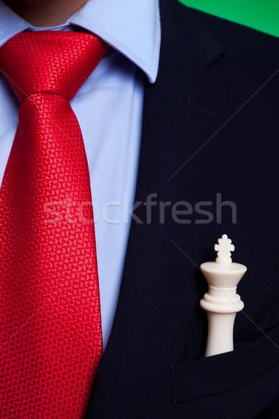 Rey del ajedrez bolsillo hombre de negocios blanco primer plano Foto Foto stock © feedough