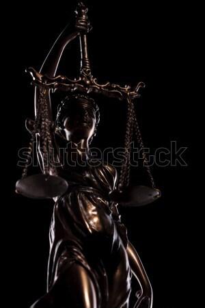 Posąg bogini sprawiedliwości czarny tle sędzia Zdjęcia stock © feedough
