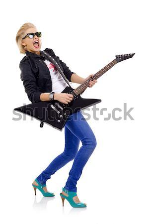 女性 ギタリスト 演奏 岩 ロール 側面図 ストックフォト © feedough