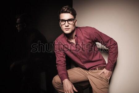 ストックフォト: 笑みを浮かべて · ファッション · 男 · あごひげ · いい · ヘアスタイル