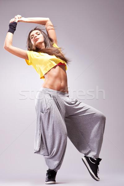 Fiatal elegáns lány tánc modern balett Stock fotó © feedough