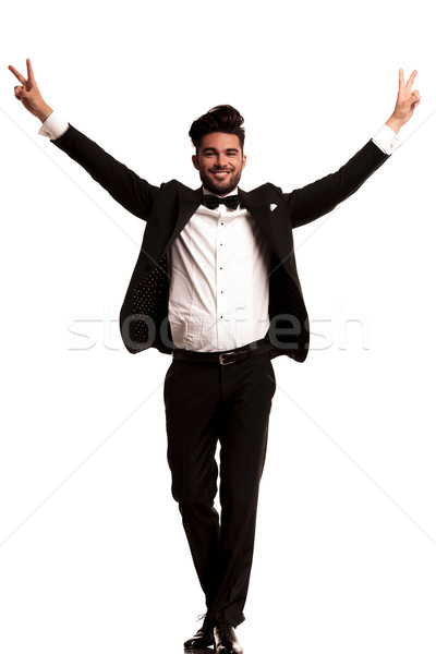 Elegante man smoking vieren succes Stockfoto © feedough