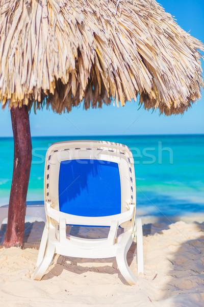 şezlong şemsiye plaj tropikal kum su Stok fotoğraf © feedough