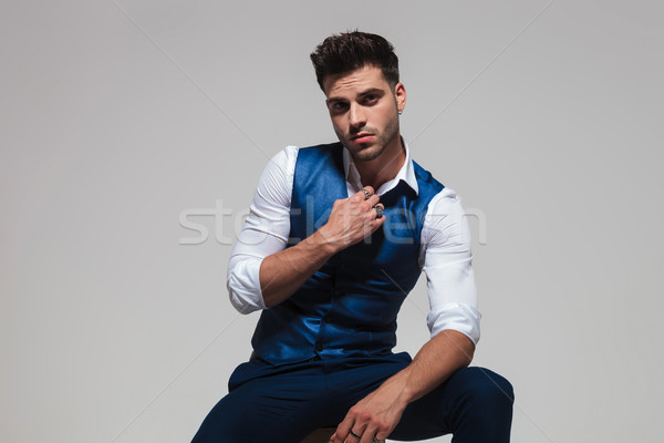 Csábító férfi visel kék mellény tart Stock fotó © feedough