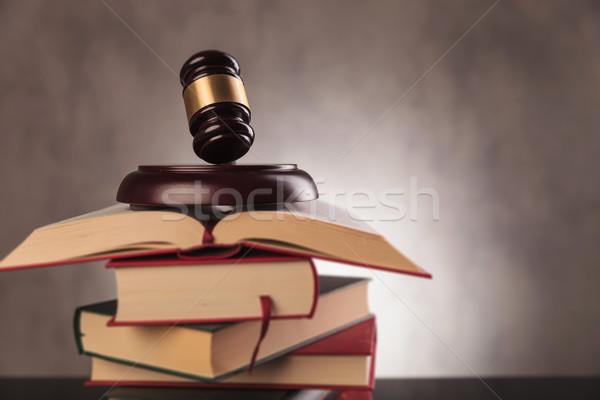 вердикт образование правовой молоток Top Сток-фото © feedough