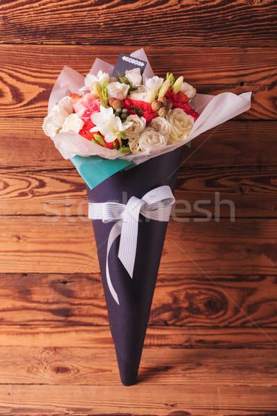 Mooie bloemen arrangement kegel boeg oud hout Stockfoto © feedough