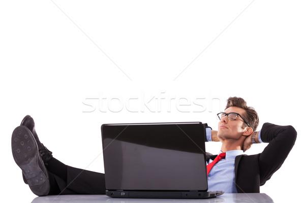 Foto stock: Homem · de · negócios · adormecido · secretária · cansado · jovem · escritório