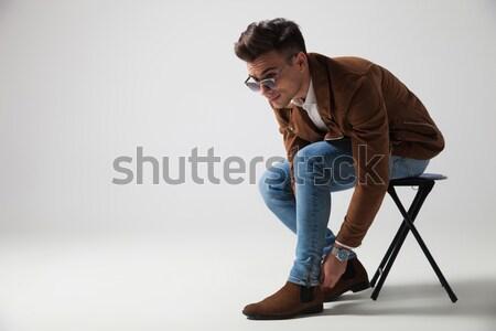 сидящий моде человека рук ладонями вместе Сток-фото © feedough
