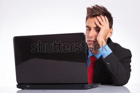 Jovem homem de negócios desapontado laptop olhando Foto stock © feedough