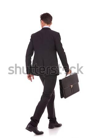 Achteraanzicht lopen zakenman aktetas naar Stockfoto © feedough