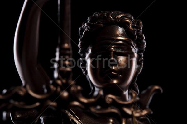 Głowie bogini sprawiedliwości posąg czarny tle Zdjęcia stock © feedough