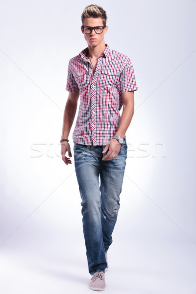 Mann vorwärts junger Mann Fuß Richtung Stock foto © feedough